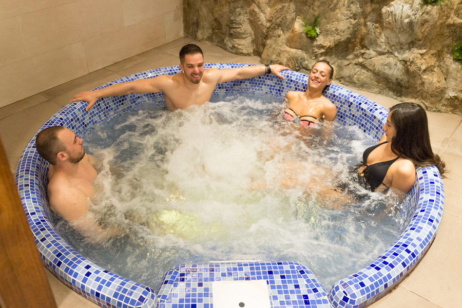 jacuzzi-hidromasazna-kada-one-wellness-and-spa-nis-3